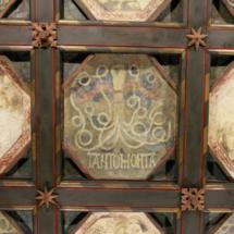 Emblema de los Reyes Católicos en el Palacio de la Aljafería