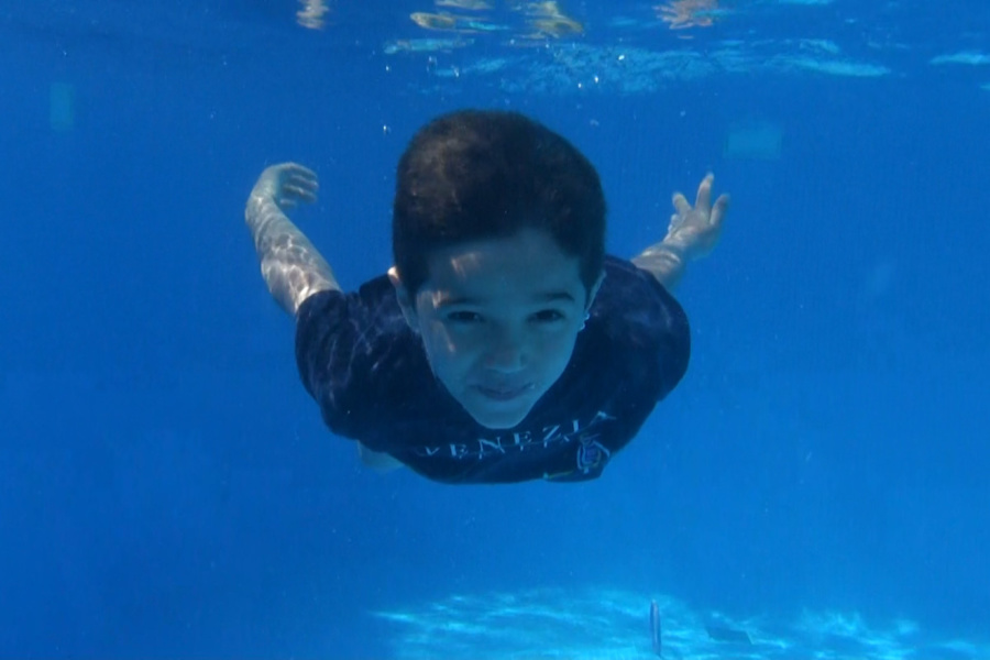 Te damos un truco para grabar a los niños bajo el agua ;-)