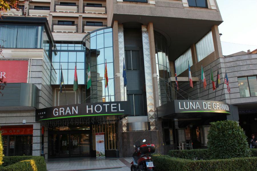 Fachada del Gran Hotel Luna de Granada