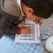 En la Oficina de Turismo de Segovia, los niños encontrarán material para colorear el Acueducto