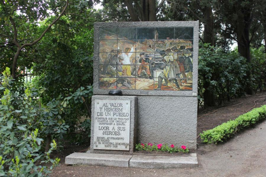 Reproducción del 3 de Mayo de Goya en el Cementerio de los Héroes del 2 de Mayo
