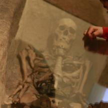 En el Museo de Segovia, los niños pueden ver un esqueleto humano
