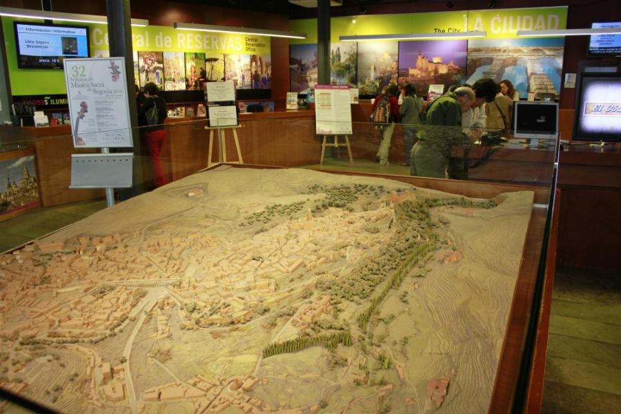 El Centro de Recepción de Visitantes de Segovia tiene una gran maqueta de la ciudad