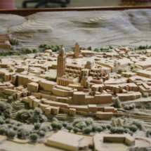 Detalle de la maqueta de Segovia en la Oficina de Turismo