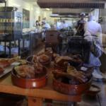 Los asados de cochinillo y cordero son la especialidad de los restaurantes segovianos.