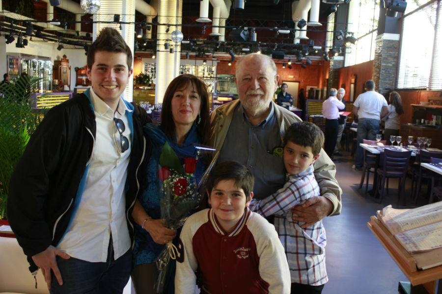 Disfrutamos, en familia, de la comida brasileña en El Rodizio