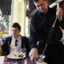 Las carnes a la brasa de El Rodizio se sirven en espeto