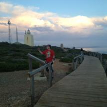 Los selfies, tan de moda, también valen para llevarse un recuerdo del Faro de Roche