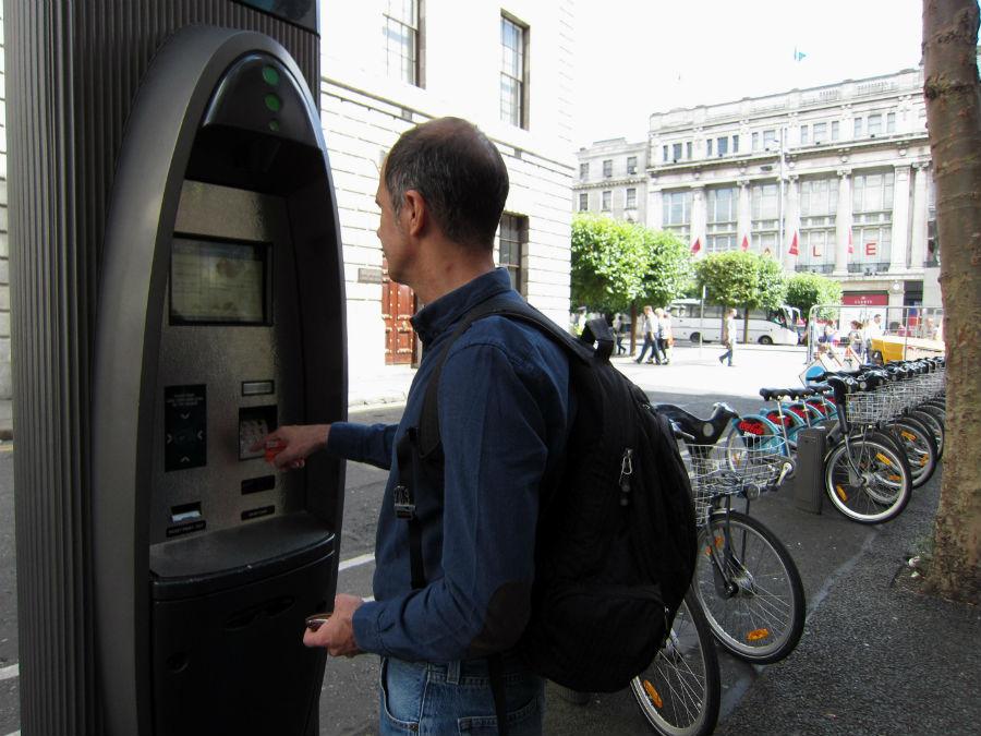 Máquina de alquiler de bicis urbanas en Dublín