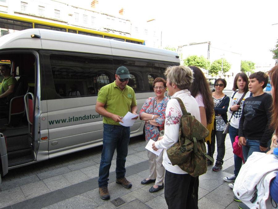 Autobús turístico de Irlanda en Español.