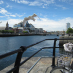 Bici junto al puente del ferrocarril Butt, en Dublín