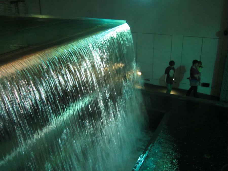 Esta gran cascada de agua es el ingrediente mayoritario de la cerveza Guinness
