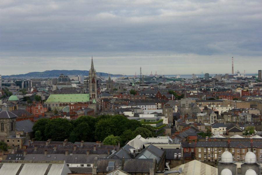 Vistas desde la fábrica-museo de cerveza Guinness en Dublín