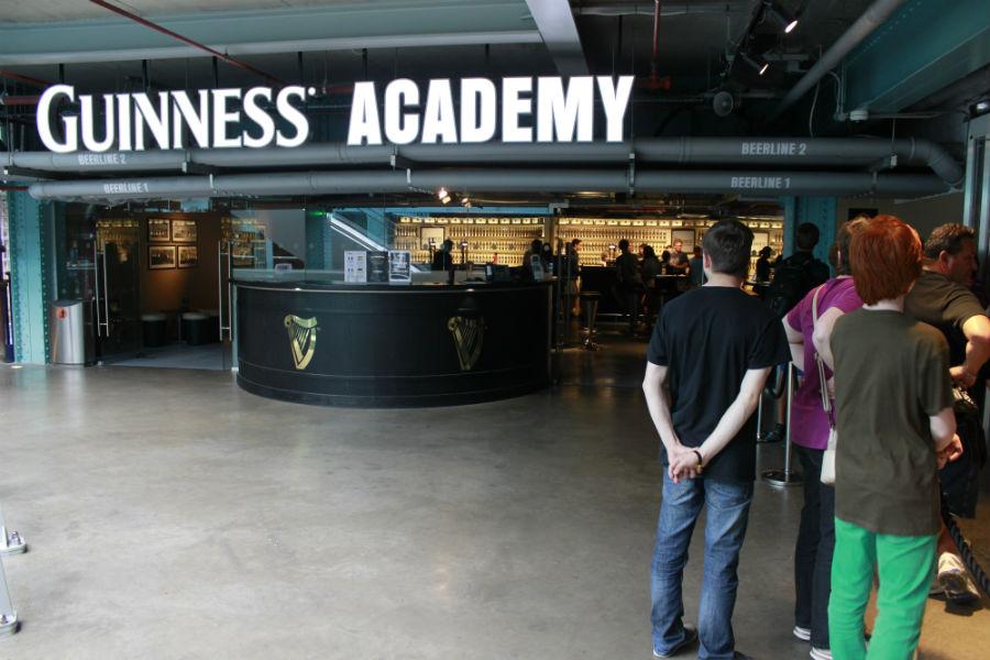 La Guinness Academy es el lugar donde se aprende a tirar esta cerveza