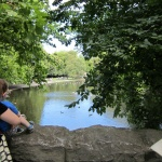 Paseo por el parque de Saint Stephen, en el centro de Dublín