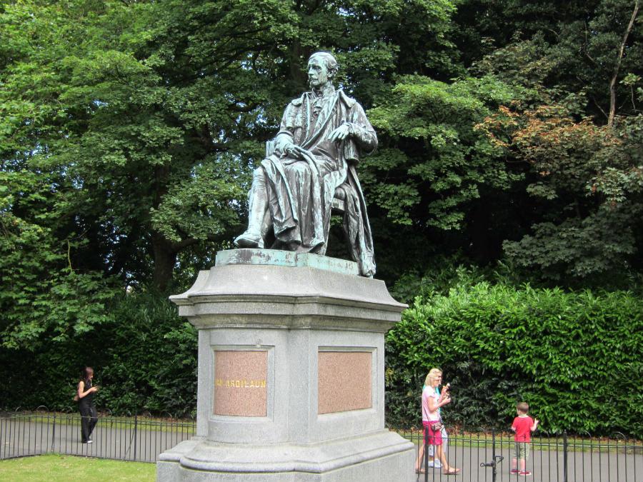 Estatua de Lord Ardilaun en el Saint Stephen Green's de Dublín