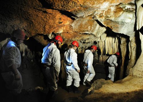 Turismo aventura en la Cueva de El Soplao
