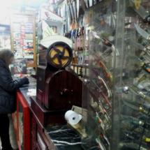 Mostrador de la cuchillería Viñas, en Madrid