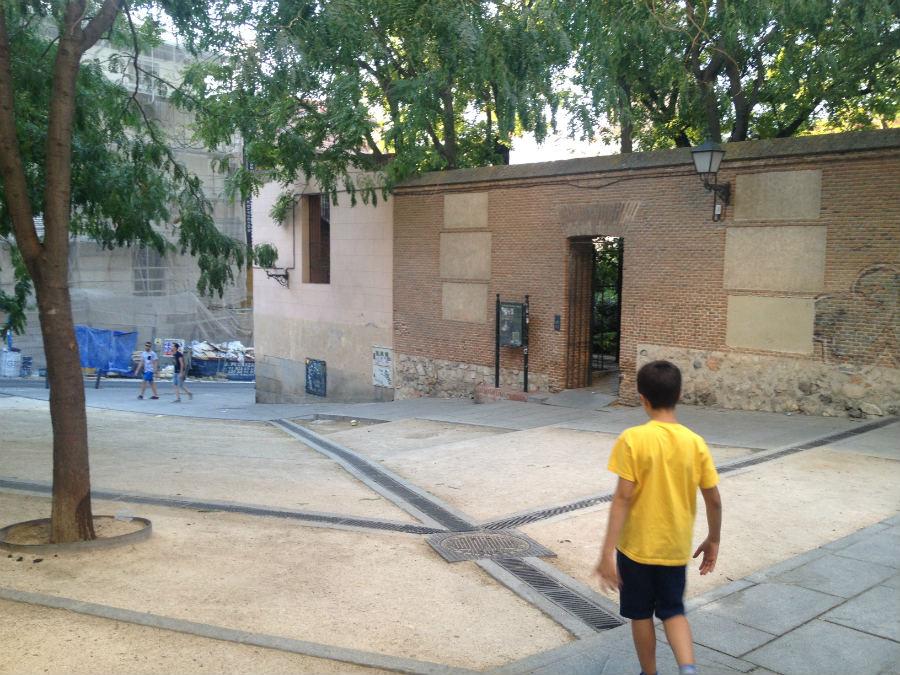 Entrada al Jardín del Príncipe de Anglona, en Madrid