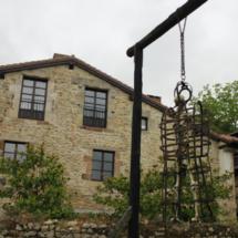 Casona que alberga el Museo de la Tortura en Santillana del Mar
