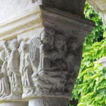 Capitel del claustro de la Colegiata de Santillana del Mar
