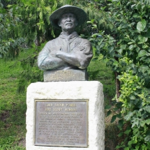 Estatua a Lord Baden Powel, fundador de los Boy Scouts, en el Zoo de Madrid