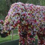 Este elefante de flores es homenaje a los ejemplares del Zoo de Madrid