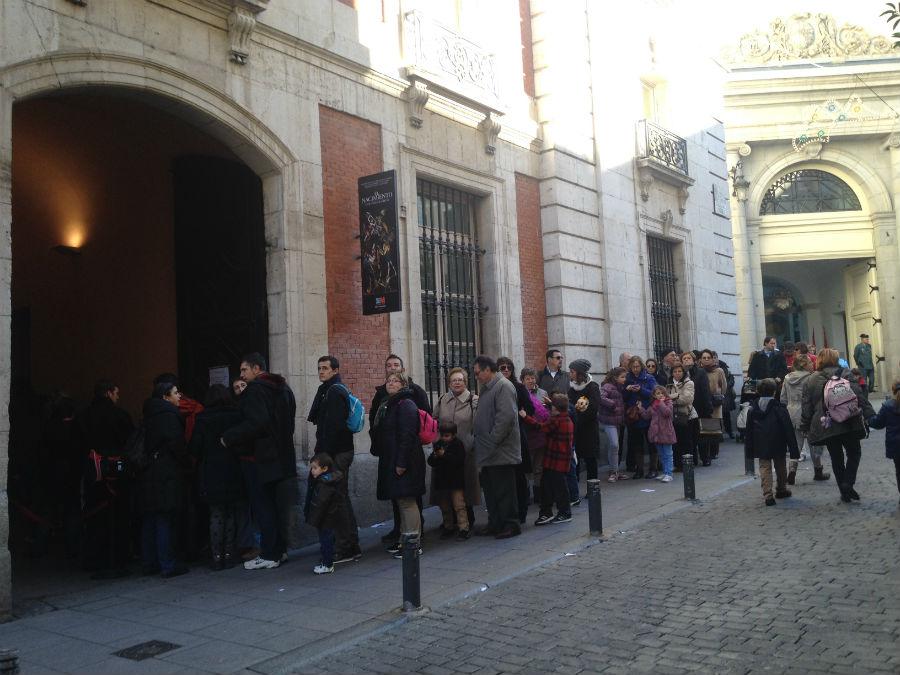 Fila para ver el Belén monumental dedicado a El Greco