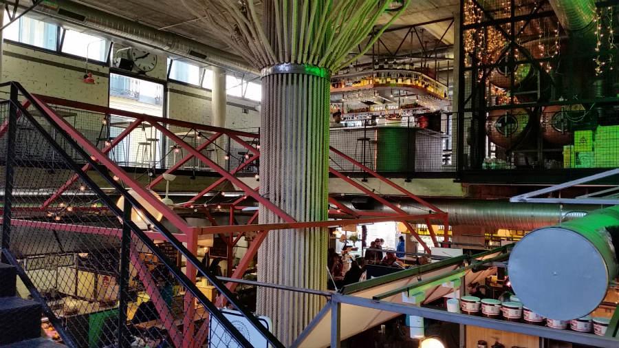 Vista del interior del Mercado de San Ildefonso