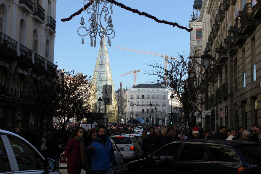 El ensayo de las doce campanadas atrae cada vez a más gente a la Puerta del Sol