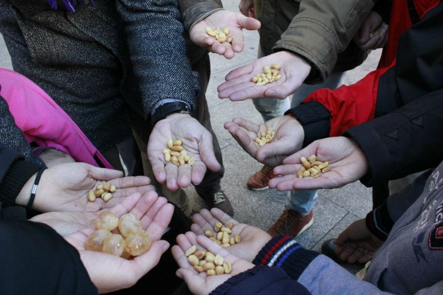 Ir al ensayo de las uvas de nochevieja for Puerta del sol uvas