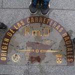Típica foto del Km 0 de la Puerta del Sol de Madrid