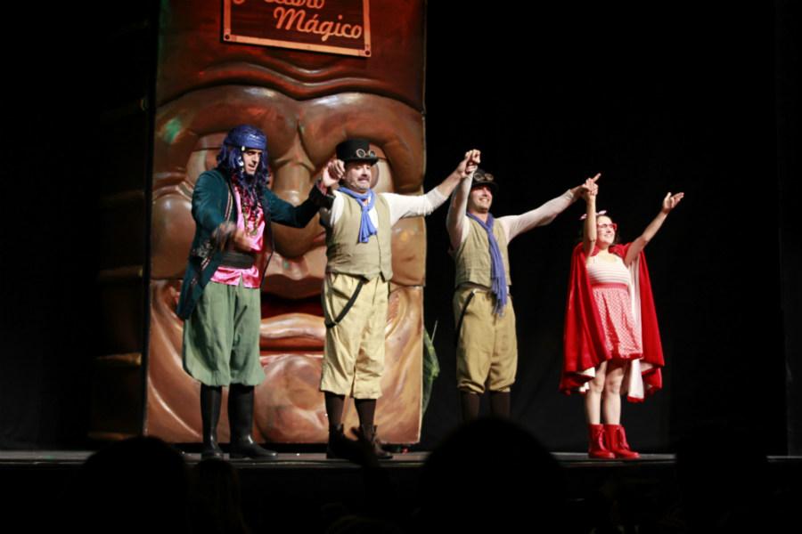 Escena de la obra de teatro infantil 'El Gran Libro Mágico'
