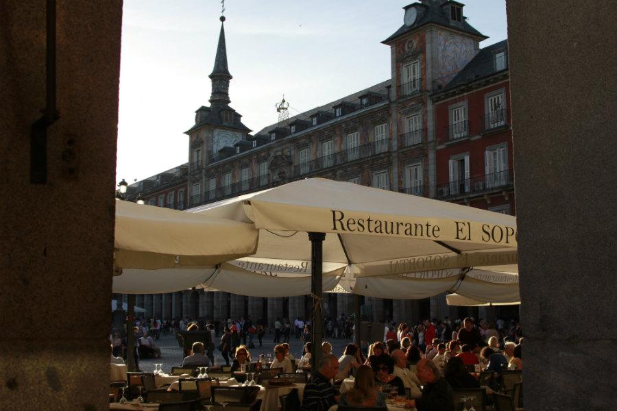 Plaza Mayor desde un soportal