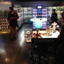 Juguetrónica tiene dos plantas dedicadas a los robots y a los juguetes electrónicos