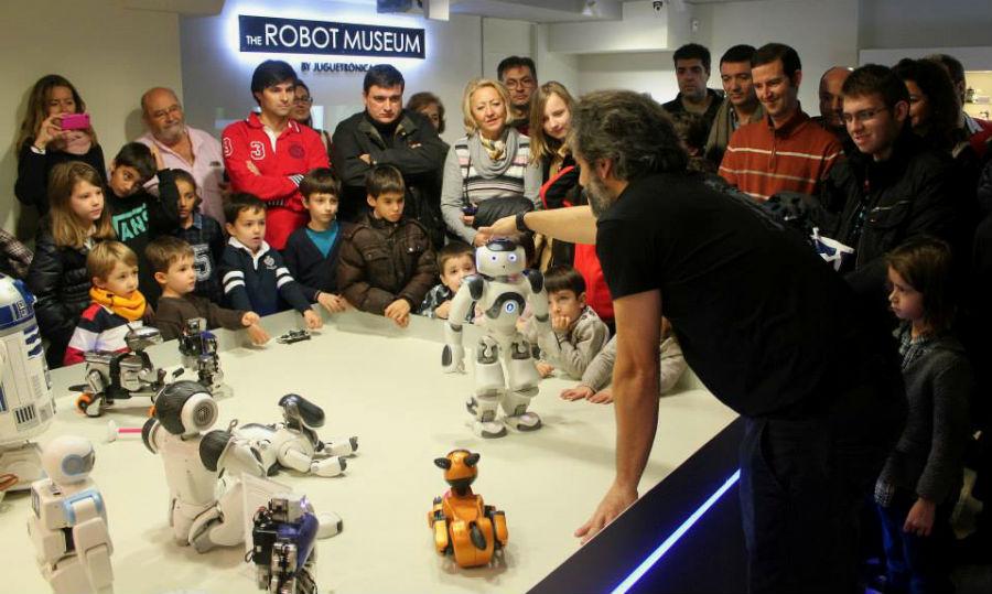 La visita al Museo del Robot es siempre guiada