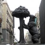 El Oso y el Madroño conforman el símbolo municipal de la Villa de Madrid