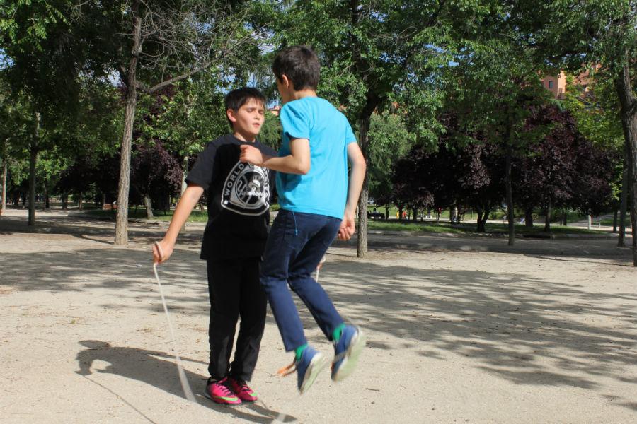 Saltar a la comba es un plan que auna juego y deporte