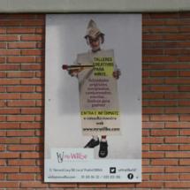 Cartel en la fachada de las instalaciones de Mr. Willbe