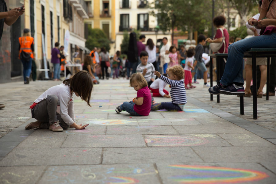 Dibujando el barrio en Malakids!