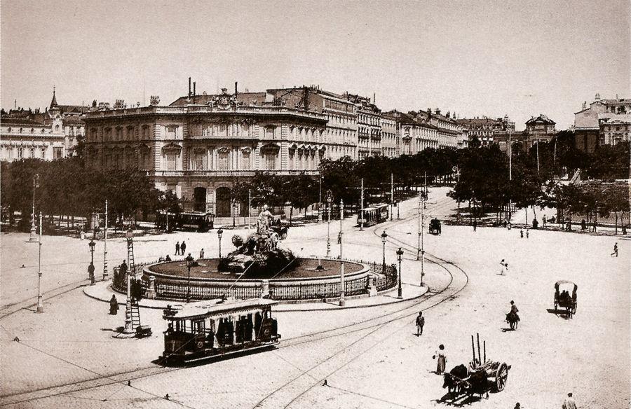 Fotografía restrospectiva de la Plaza de Cibeles y el Palacio de Linares