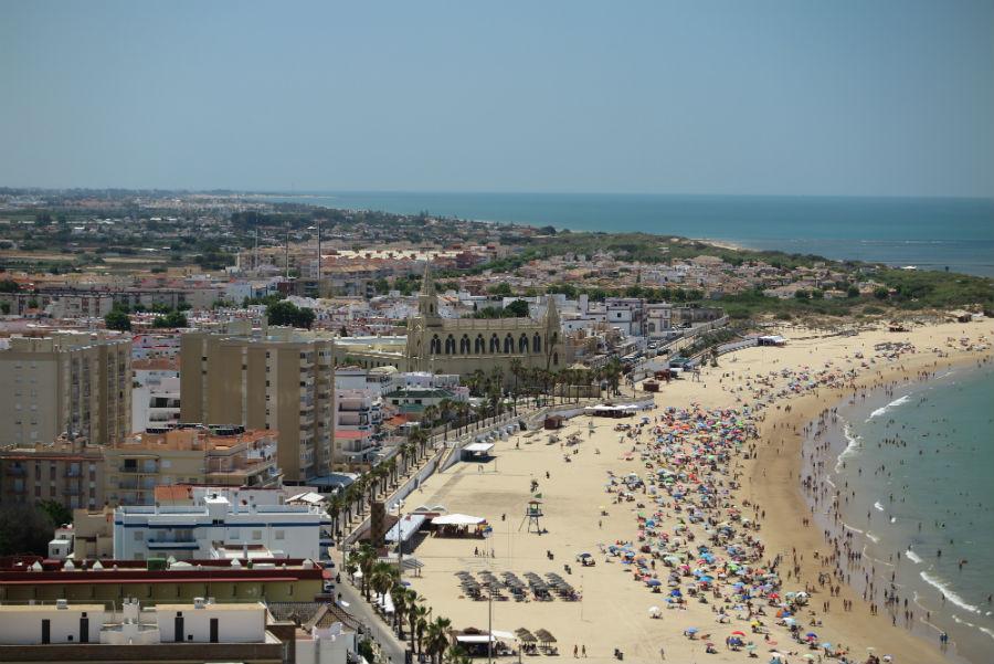 Vistas de la playa de Chipiona.