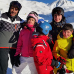 Te damos las claves para organizar un viaje de esquí barato en familia