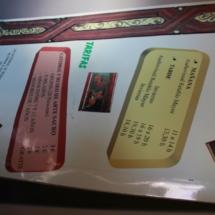 Cartel informativo de los horarios de visita a la catedral de Teruel