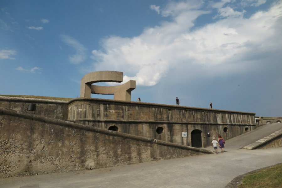 Elogio del Horizonte, la escultura de Chillida en Gijón