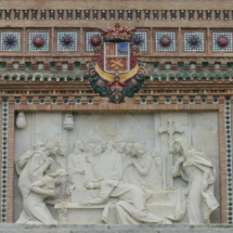 Fachada decorada con cerámica de Teruel