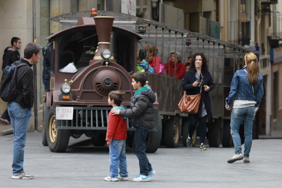 Recorremos Teruel como más les gusta a los peques: en trenecito