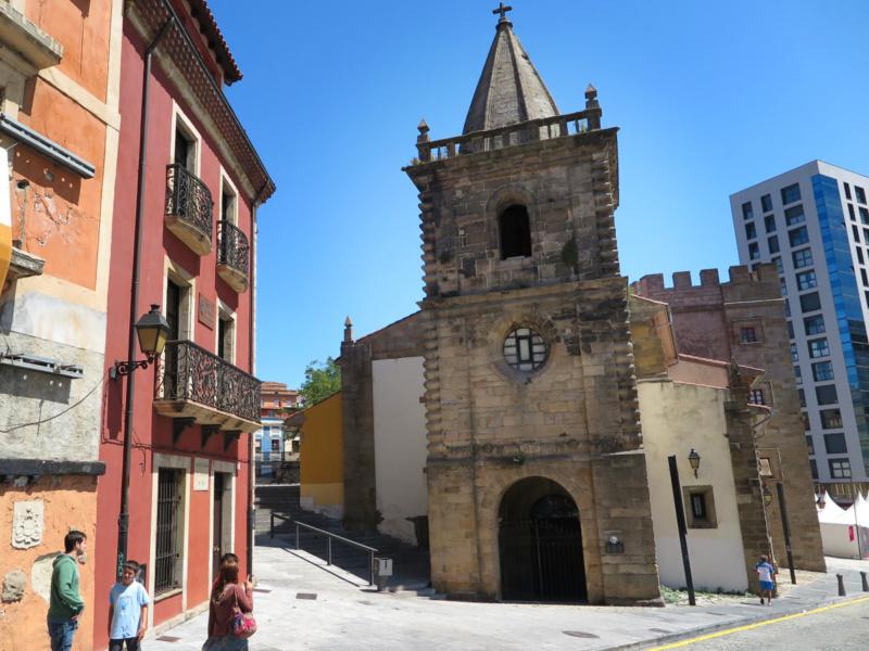 Paseamos, con los niños, por el barrio de Cimavilla, en Gijón