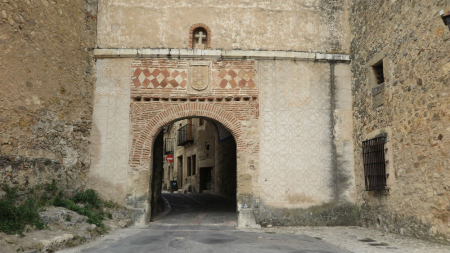Puerta de la Villa de Pedraza