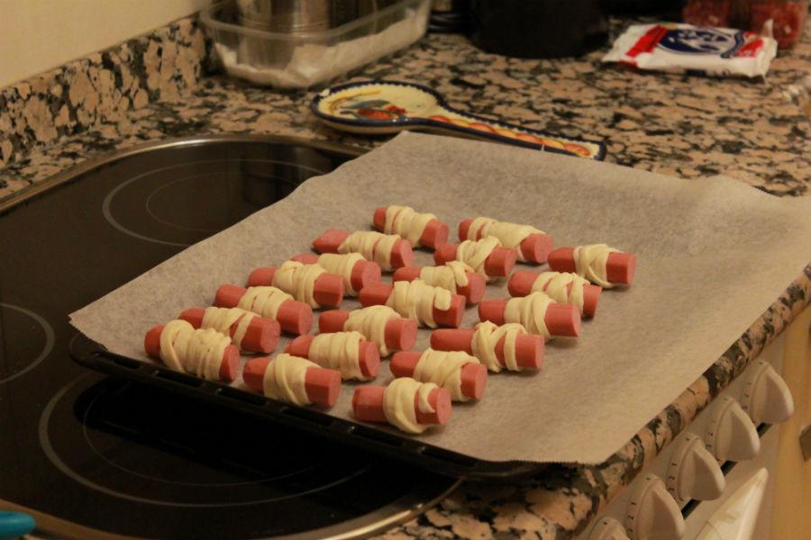 Momias de salchicha: preparar para hornear